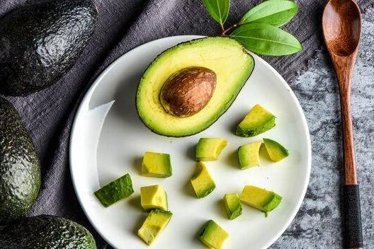 新研究:每天1个牛油果,帮助女性重新分配腹部脂肪