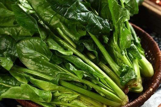 菠菜吃起来!研究发现:吃菠菜可以预防结肠癌