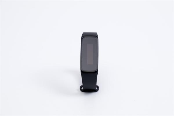 科学家设计出一种新的智能显示器,可直接通过衣物获取邮件、导航等基本信息