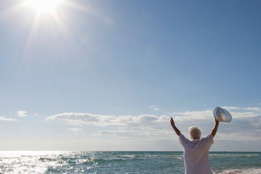 感到情绪低落、出现失眠症状怎么办?多晒晒太阳可改善!