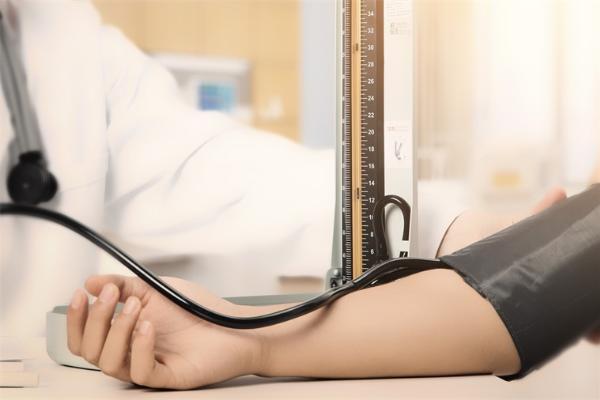 40岁是一个可怕节点!研究发现:40岁左右确诊高血压,以后患痴呆症的风险最高