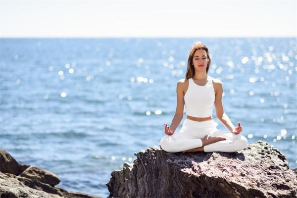 压力过大?研究发现:冥想或正念训练可以减少压力