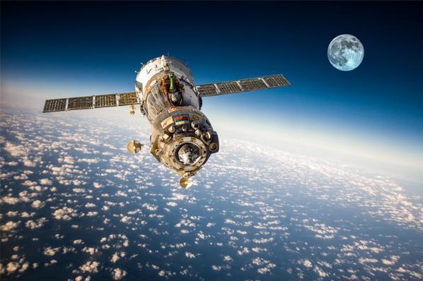 美国蓝色起源公司完成第二次载人太空飞行!90岁的柯...
