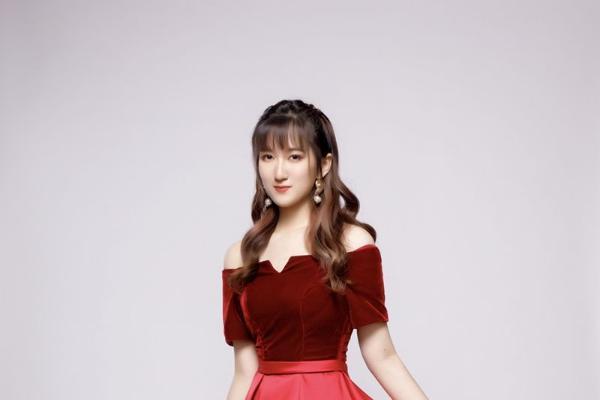歌手孙美琪首发原创单曲《白日蓝梦》 英伦摇滚引发灵感共鸣