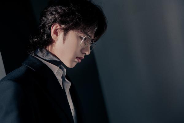 蔡徐坤《爱与痛》短片温暖人心,带着音乐发现生活之美