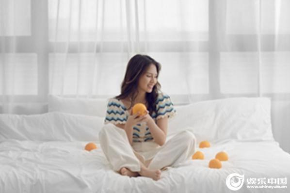 刘亦芊清爽女孩时尚满分 甜美温柔治愈系