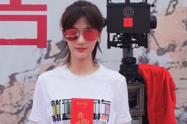 《就爱你淘气》开机 徐悦变身北京大妞飒爽耿直
