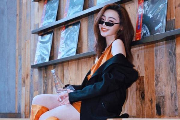 小身材vs大能量 世界小姐中走出的时尚博主瀛子