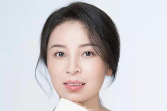 电影《守望青春》上映在即 朱韵携推广歌曲《青春剧本》首发来袭