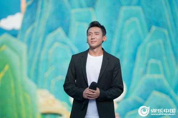 扎西平措亮相中国农民歌会唱响《脱贫宣言》 以歌寄情回归好声音中秋晚会