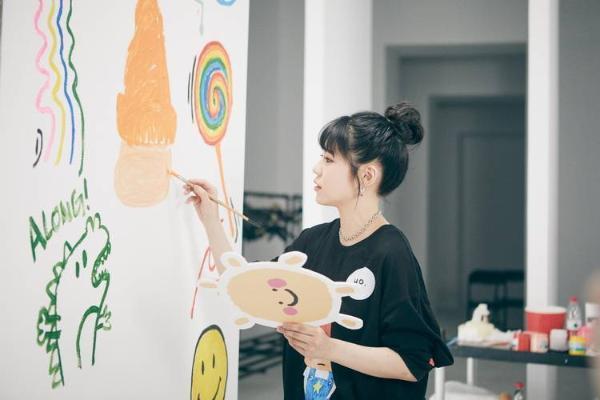 华承妍单曲《哎呀》正式版MV上线 还原想念最真实的样子