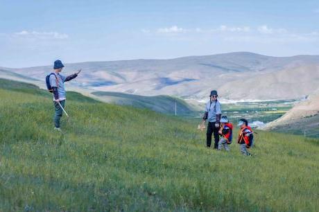 城市萌娃体验草原牧民生活 《不要小看我》自然教育引发家长反思