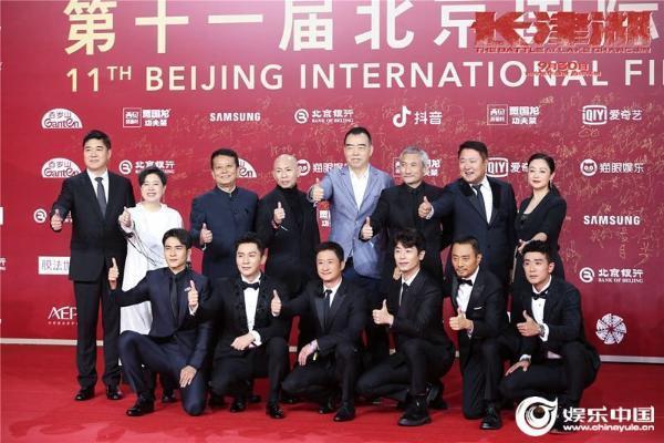 《长津湖》为北影节震撼开幕 全球首场放映引爆如潮好评:三小时居然没看够!