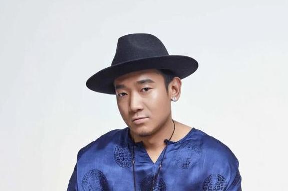 藏族歌手扎西平措分享音乐理念 品味藏腔感受民族音乐独特魅力