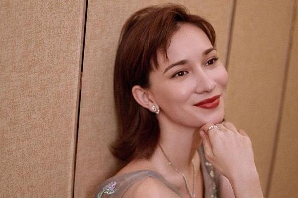 卢靖姗亮相大湾区中秋晚会 优雅献唱经典歌曲