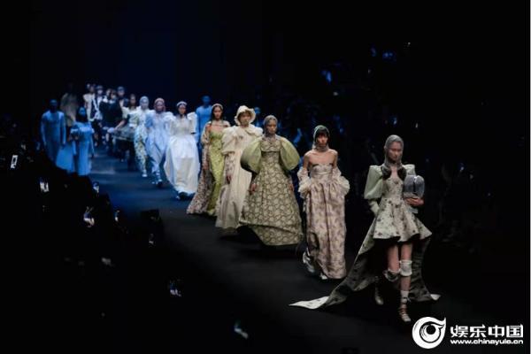 SELAH愢拉2022春夏发布 以「芭蕾」之美诠释爱