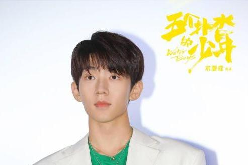 电影《五个扑水的少年》首映北京举行 不狗血的青春片却看得很过瘾!