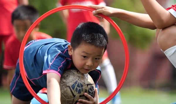 """2021年""""奔跑吧·少年""""儿童青少年足球健身活动在贵州启动"""