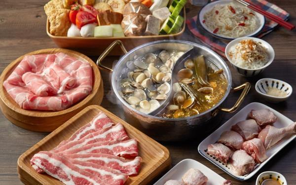 王品9款锅物:聚北海道锅物、青花骄、和牛涮、尬锅,家庭号大份量外带通通85折
