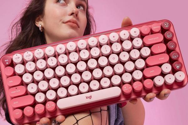 超可爱!Logitech POP KEYS EMOJI无线机械式键盘:复古打字机风格、三款颜色供你选择