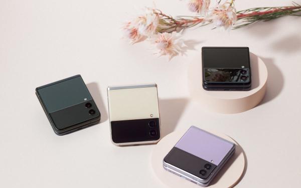真的太美!Galaxy 7.6寸内页荧幕 Fold3 5G、超Q折叠Z Flip3 5G新机公开