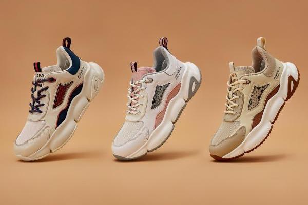 携手设计大师SAFA推出联名款老爹鞋,比音勒芬用经典引领潮流风向
