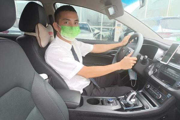 """""""乘客的安全我得负责!""""这位曹操出行司机用行动践行承诺"""