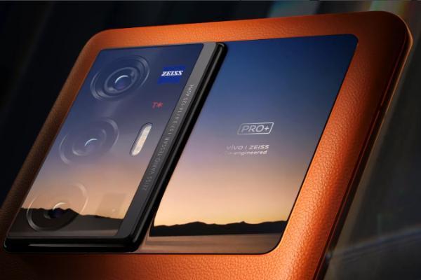 对比vivo X70系列与iPhone 13系列哪一款更值得购买!