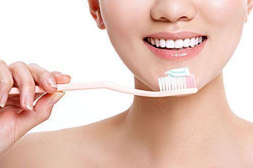 你可能每天在无效刷牙!5个常见错误刷法,看看你中了几个!