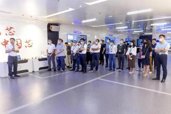 飞腾公司受邀参加第十八届保护和控制学术研讨会