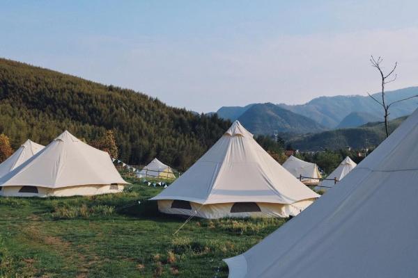 国庆旅宿近郊游特征明显,营地帐篷非标住宿成黑马