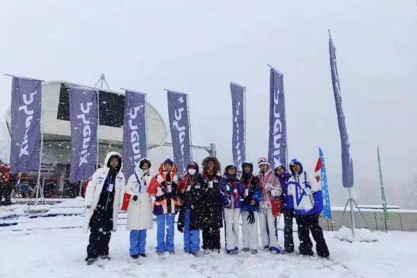 助力2021雪季亚洲首滑 phenix创立可可托海首家滑雪店