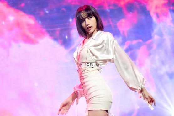 Lisa新歌破吉尼斯世界纪录,MV播放量7460万,中国粉丝贡献大
