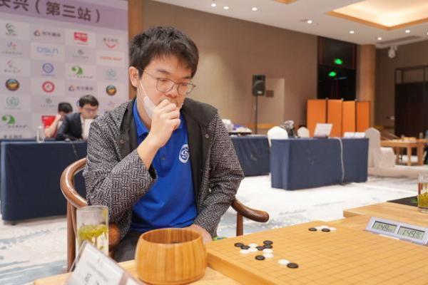 成都蝉联常规赛冠军 井山助攻卫冕冠军江西返前四