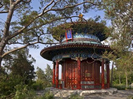 踏月而歌景山公园——网易传媒《AI乐中轴—月满景山》展盛世之美,唱历史传奇