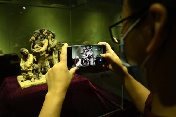 刘沅声客家泥塑艺术展守望精神家园