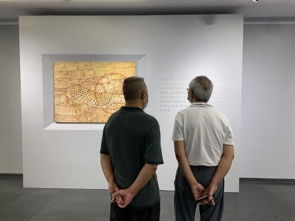 近50幅油画作品展现刘世彪心中的故乡
