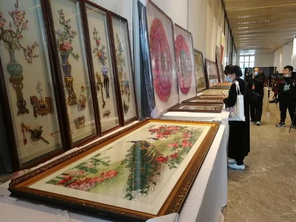 产业 | 近万件工艺美术精品集中亮相山西长治