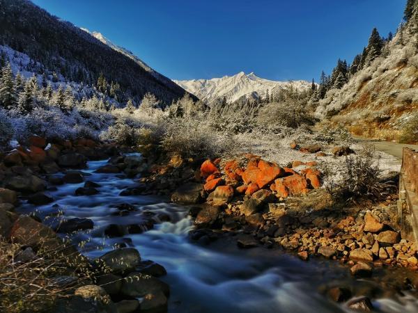 旅游|山水化身彩色油画,快来四川邂逅最美秋天