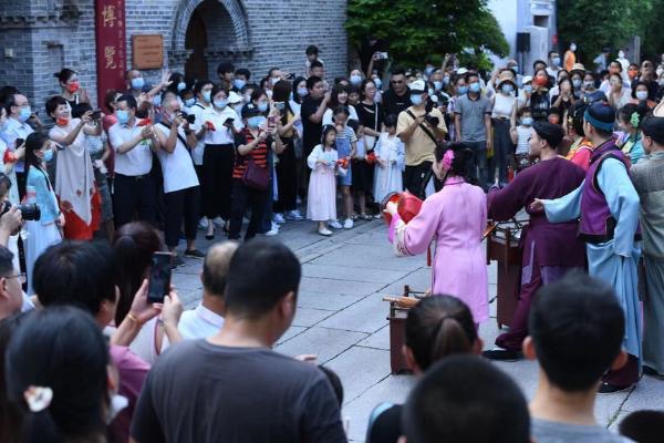 旅游 | 街头、剧场、线上同赏闽剧,陪伴群众欢度国庆假期