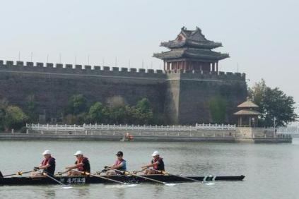 旅游 | 赛艇穿越大运河,古与今碰撞之美