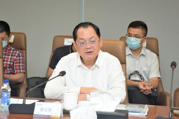市人大常委会主任骆文智一行到访信利康