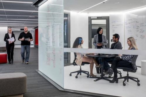 乐卓博大学商科课程培养全能型人才,打造超强就业力