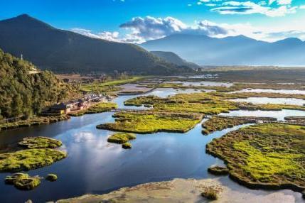 泸沽湖景区生态环境保护治理多措并举 还母亲湖绿水青山长在
