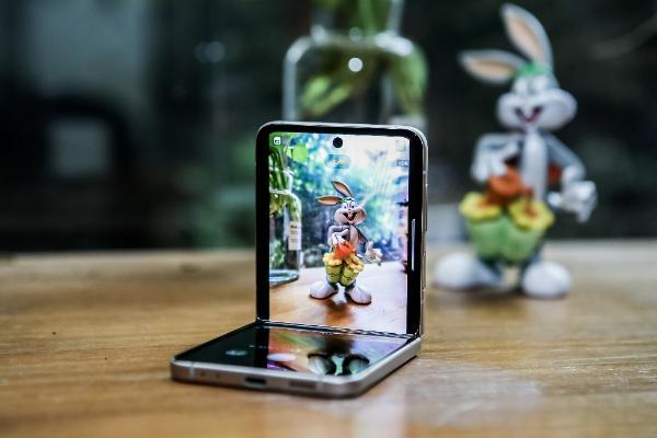 折叠屏旗舰再升级 三星Galaxy Z Fold3 Flip3 5G登陆沈阳