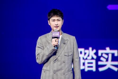 朱梓骁:直播带货与拍戏、唱歌、综艺一样,都是实现个人价值和事业发展的途径