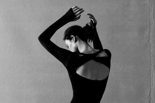 "NEIWAI × Wolford联名环保系列""她将永续""发布,共同探索当代时尚的永续发展之道"