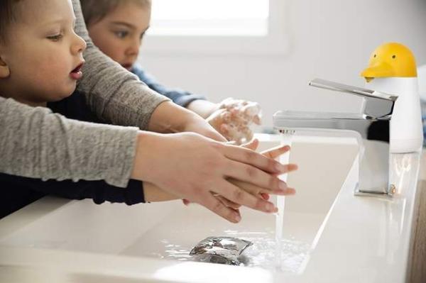 """专治各种不爱洗手的""""熊孩子"""" 软萌顽音儿童洗手机出击"""