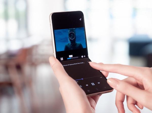 三星Galaxy Z Flip3 5G火热预售 折叠屏开合之间掌控自如