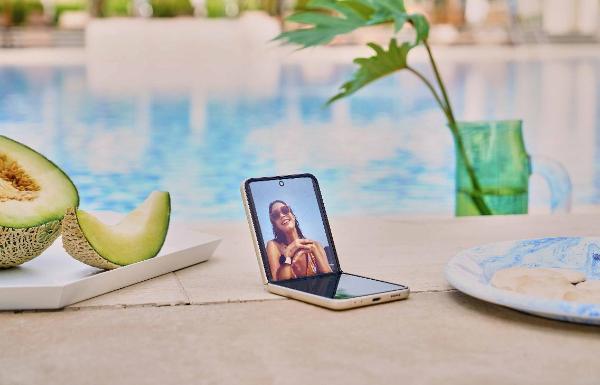 当折叠屏更加坚固耐用:三星Galaxy Z Flip3 5G让人难以拒绝